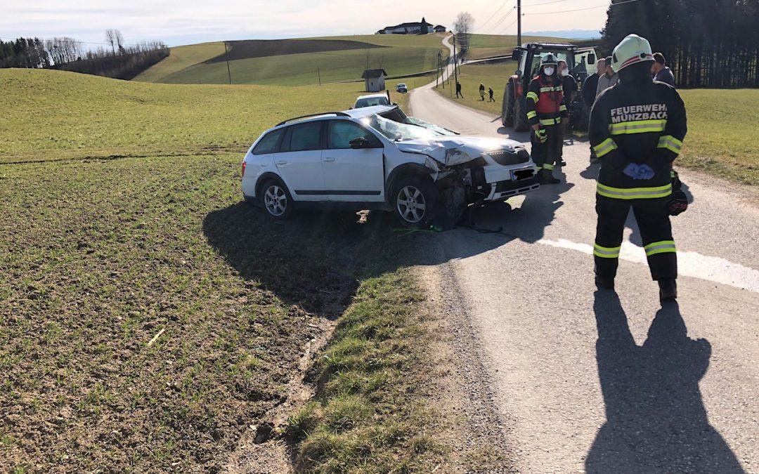 Verkehrsunfall Aufräumarbeiten, 13.03.2021
