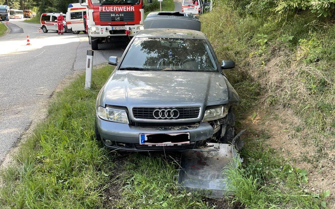 Verkehrsunfall mit eingeklemmter Person, 21.07.2021